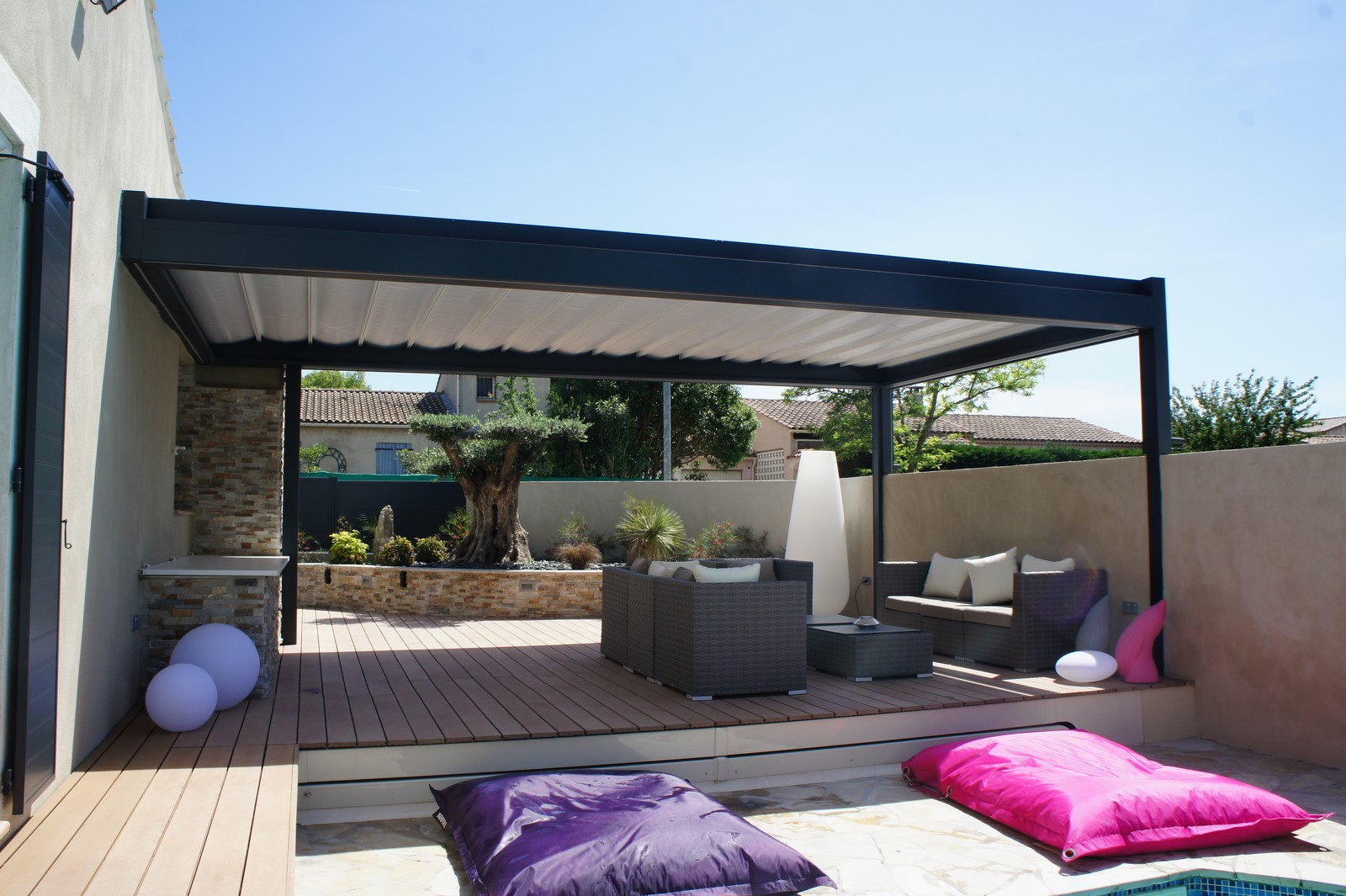 Pergola toit r tractable brustor b300 marignane for Pergola bioclimatique retractable